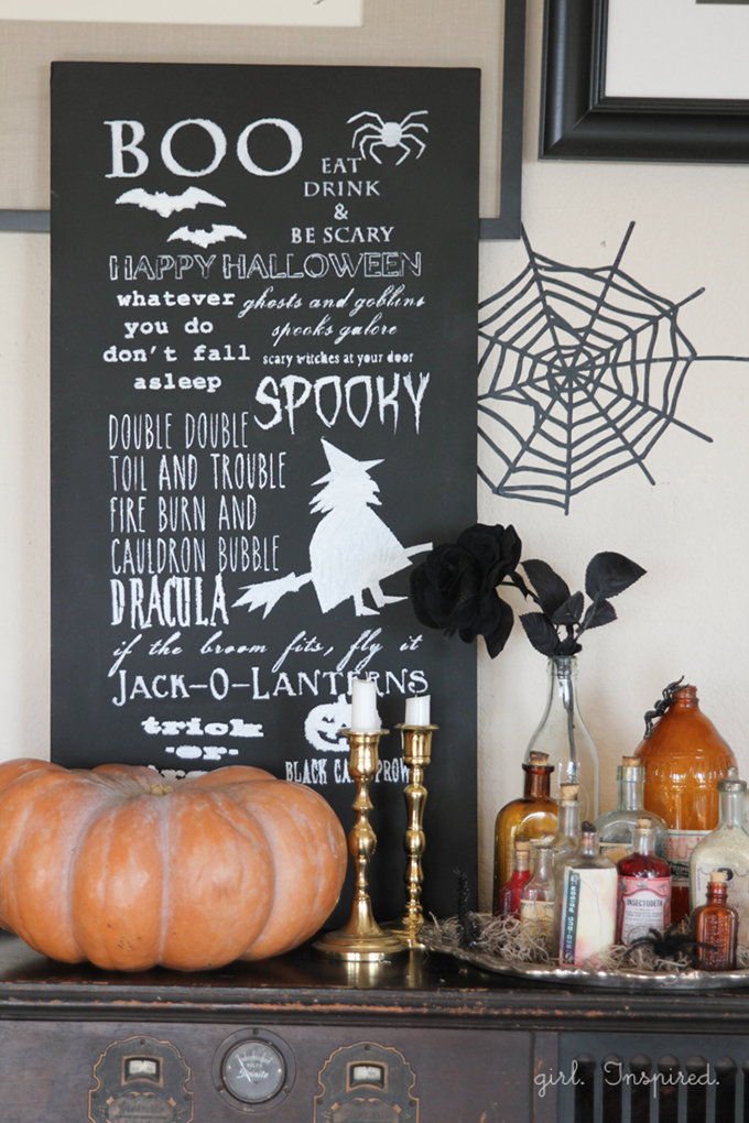 Halloween-Chalkboard-Sign-5