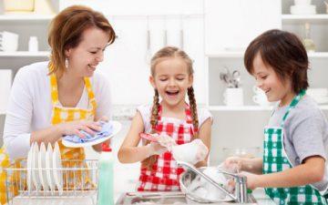 Как научить детей выполнять домашние обязанности
